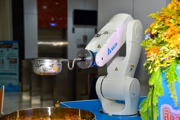 """""""โซลูชันหุ่นยนต์เดลต้า"""" กฟน.เลือกนำมาพัฒนาแอปพลิเคชันตอบโจทย์การใช้งานในสถานการณ์โควิด-19 เพื่อเลี่ยงการสัมผัส"""