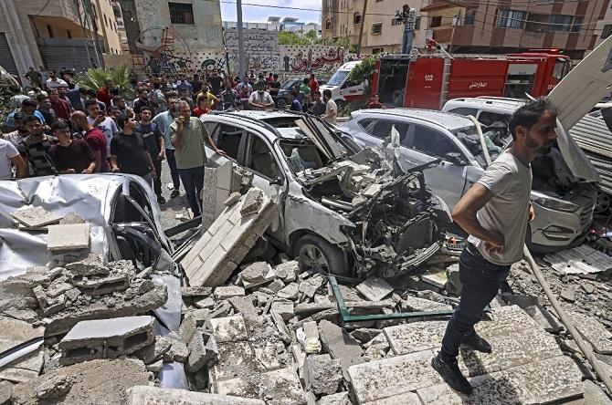 อิสราเอลและฮามาสบรรลุข้อตกลงหยุดยิงเริ่มเช้ามืดวันศุกร์ แต่ยังซัดกันเดือดก่อนถึงเวลา