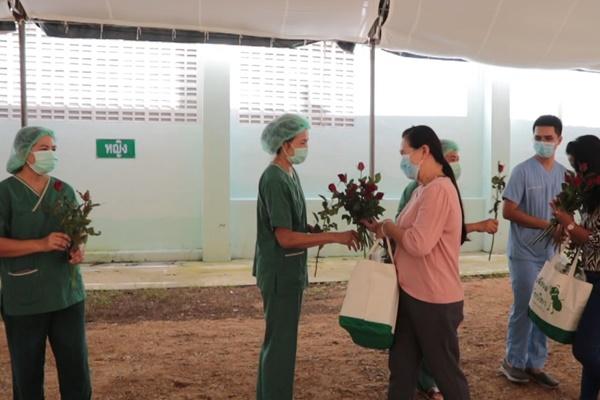พังงาปลอดผู้ติดเชื้อแล้ว 12 วัน ปิดโรงพยาบาลสนามหลังส่งผู้ป่วย 2 รายสุดท้ายกลับบ้าน