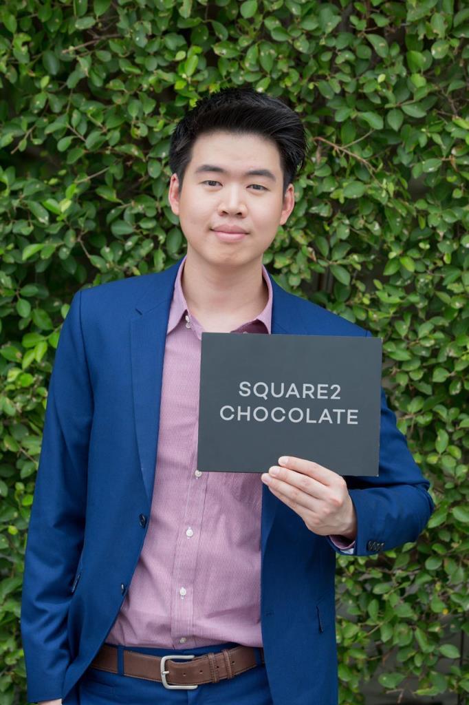 นายเจตน์ สกุลลีลารัศมี เจ้าของร้านช็อกโกแลตสด Square2 Chocolate