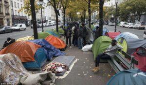 ภาพ คนไร้บ้านในฝรั่งเศส ขอบคุณภาพจาก truthforyou.co