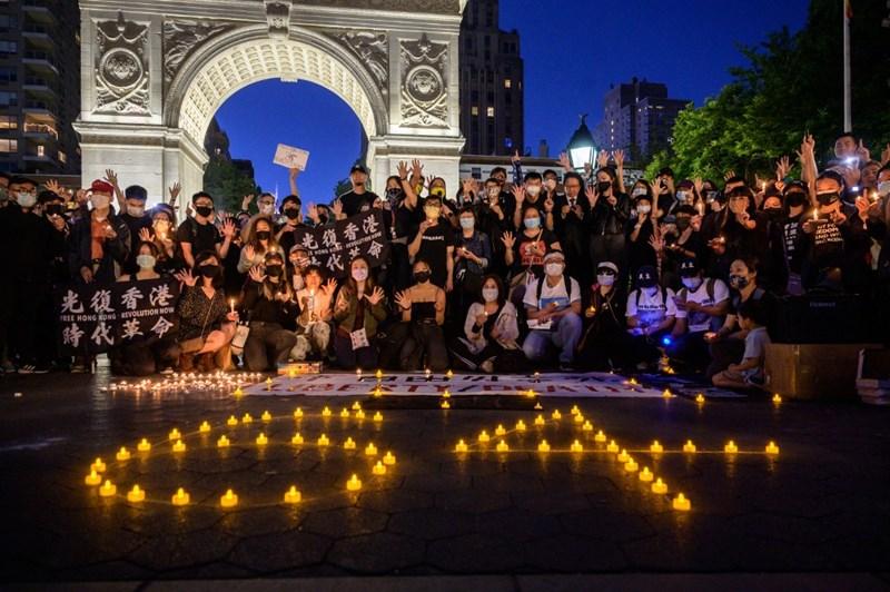 จีนบอกให้สหรัฐฯ 'ส่องกระจก' กล้าเผชิญหน้ากับการล่วงละเมิดสิทธิมนุษยชนของตัวเอง หลัง 'บลิงเคน' วิพากษ์วิจารณ์กรณีเทียนอันเหมิน