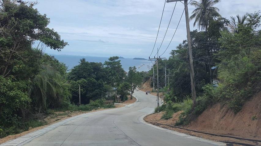 """ทช.เร่งสร้างถนนสาย """"บ้านใต้-หาดริ้น"""" เกาะพะงัน เปิดใช้ ก.ค.นี้ หนุนท่องเที่ยว สะดวก ปลอดภัย"""