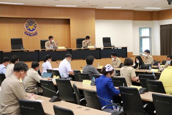 ผู้ว่าฯ ราชบุรี เรียกประชุมคณะฯโรคติดต่อหาแนวทางป้องกัน หลังพบผู้ติดเชื้อ ในโรงงาน 28 ราย