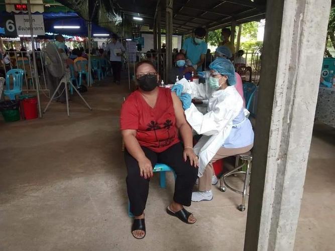 ผัวร้องสื่อ!เมียฉีดวัคซีนแอสตร้าฯเกิดอาการข้างเคียงหามส่งโรงหมอ