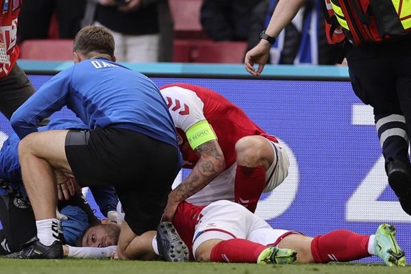 """""""อีริกเซน"""" ส่อแขวนเกือก!!  """"อิตาลี"""" คุมเข้ม ห้ามคนป่วยโรคหัวใจแข่งกีฬา"""