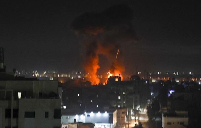 ส่อนองเลือดอีกรอบ!อิสราเอลถล่มทางอากาศฉนวนกาซาครั้งแรกนับตั้งแต่มีข้อตกลงหยุดยิง