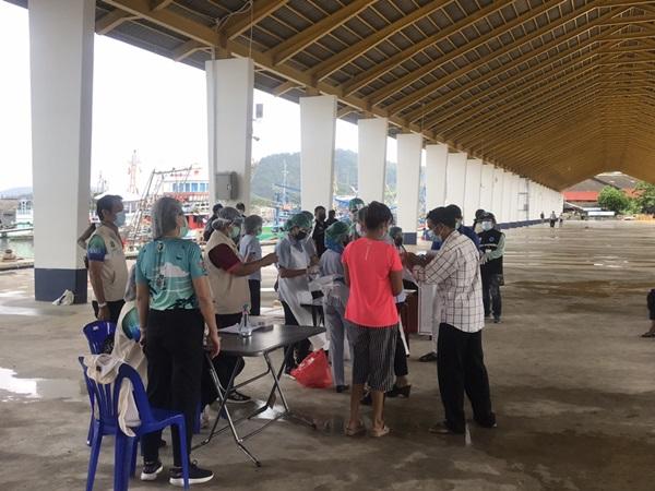 ภูเก็ตติดเชื้อเพิ่มอีก 3 ราย คนไทย 1 ต่างชาติ 2 ราย ไม่แสดงอาการ ลงพื้นที่ตรวจเชิงรุก