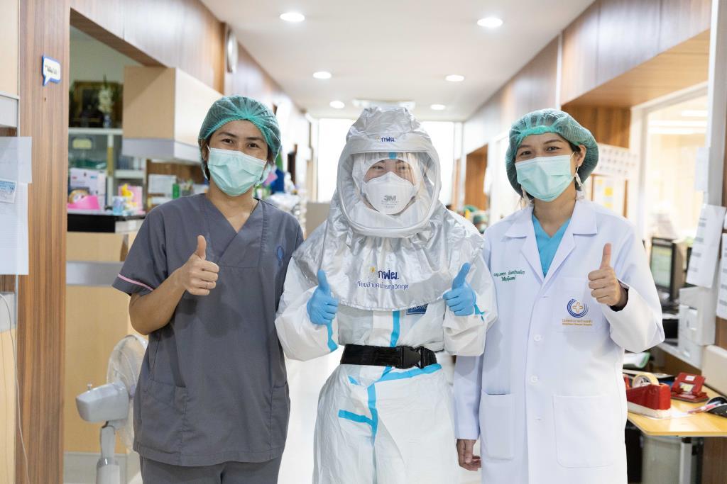 กฟผ. มอบหมวกป้องกันเชื้อ PAPR   เพื่อลมหายใจปลอดเชื้อ หนุนหมอสู้โควิด-19