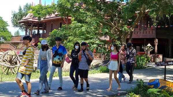 สวนสัตว์หัวหินแฟนตาเซียปาร์ค  กระตุ้นท่องเที่ยว จัดแสดงโชว์จระเข้ หวังเป็นแรงจูงใจให้เกิดการเดินทาง