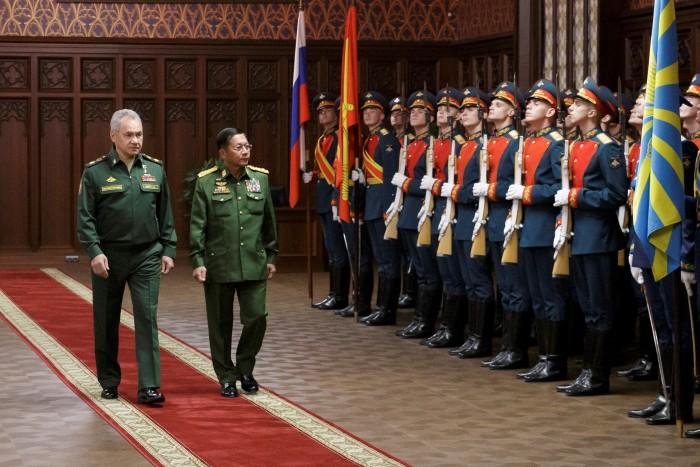 'มินอ่องหล่าย' ขอบคุณรัสเซียช่วยเสริมกำลังกองทัพให้แข็งแกร่งที่สุดในภูมิภาค