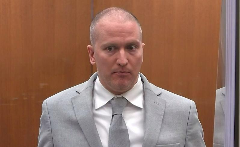 ศาลสหรัฐฯ พิพากษาจำคุก 22 ปีครึ่งตำรวจผิวขาวใช้เข่ากดคอฆ่า 'จอร์จ ฟลอยด์'