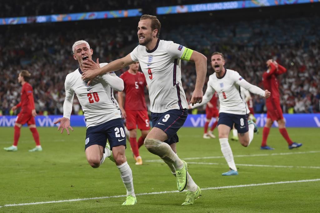 อังกฤษ ผ่านเข้าไปเล่นรอบชิงชนะเลิศ
