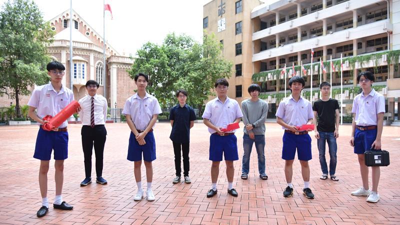 """เด็กไทยเจ๋ง!! """"มัธยม"""" หนึ่งเดียว """"แข่งดาวเทียม"""" รางวัลระดับโลก ท่ามกลางรุ่นพี่มหาวิทยาลัย [มีคลิป]"""
