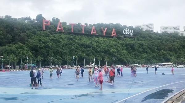 นายกเมืองพัทยา ยอมรับแผน Pattaya Move on กระทบหลังชลบุรีถูกยกระดับพื้นที่สีแดงเข้ม