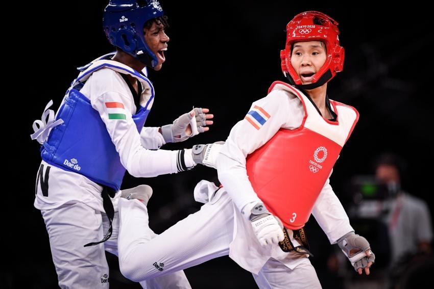 """""""จูเนียร์"""" เตะไม่ถึง แพ้ฮังการีวืดเหรียญโอลิมปิก"""