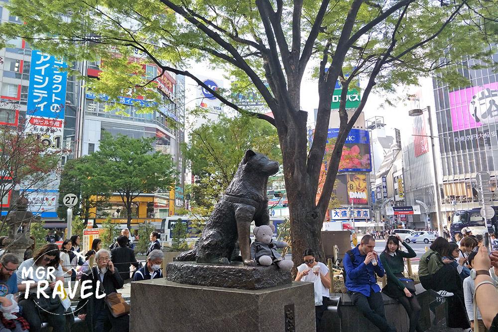 รูปปั้นหมาฮาจิโกะหน้าสถานีชิบูยะ