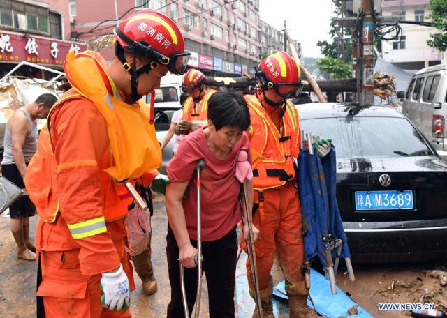 โดรน - หุ่นชูชีพทางน้ำ จีนใช้เทคโนโลยีกู้อุทกภัย ในมณฑลเหอหนาน