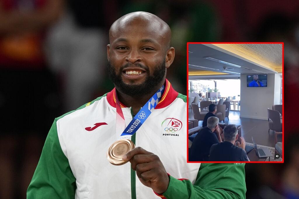 """(คลิป) """"มูรินโญ่"""" ร่วมเฮ หลังโปรตุเกสซิวเหรียญแรกในโอลิมปิก 2020"""