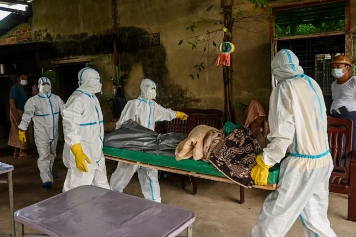 สถานการณ์โควิดในพม่าเลวร้ายหนัก เหลือสถานพยาบาลเพียง 40% คาดอีก 2 สัปดาห์อาจติดเชื้อครึ่งประเทศ