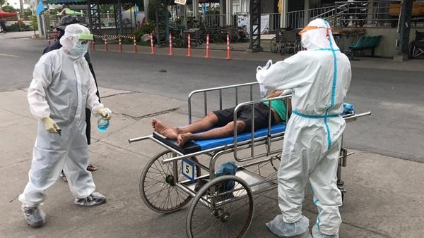 สภ.นครชัยศรี จัดทีมรับส่งผู้ป่วยติดเชื้อไวรัสโควิด-19 จากบ้านพักตลอด 24 ชั่วโมง