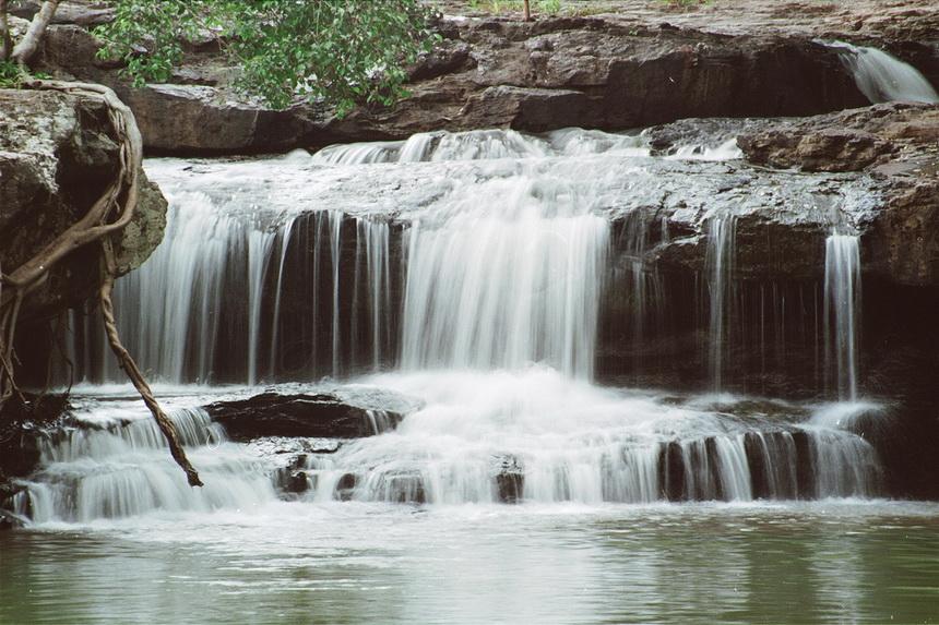 น้ำตกไทรทอง (ภาพจากสำนักอุทยานแห่งชาติ)