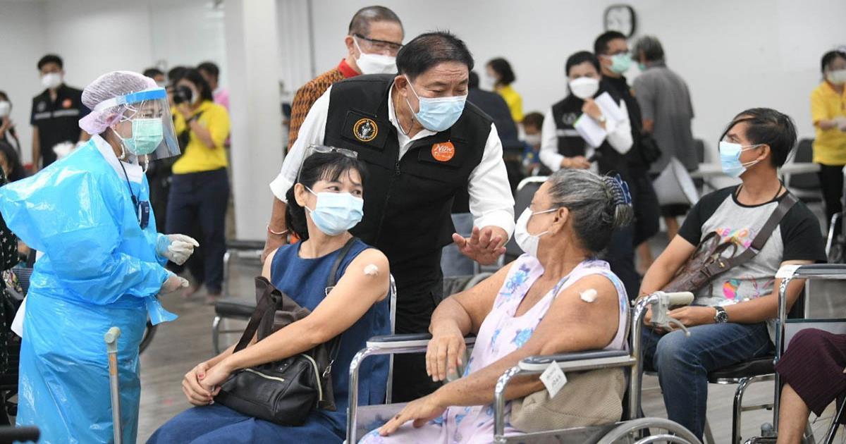 กทม. เร่งฉีดวัคซีนกลุ่ม '608' ลดเสี่ยงติดเชื้อและอาการรุนแรง