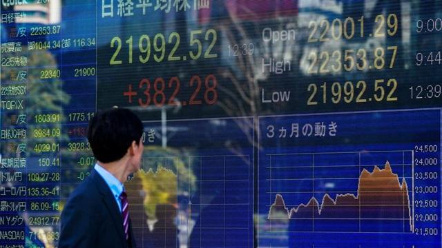 ตลาดหุ้นเอเชียผันผวน จับตาผลประชุมแบงก์ชาตินิวซีแลนด์-สถานการณ์โควิด