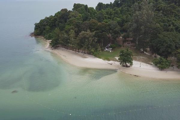 """""""เกาะละวะใหญ่"""" หาดสวย ทะเลใส เพชรเม็ดงามในอ่าวพังงา"""