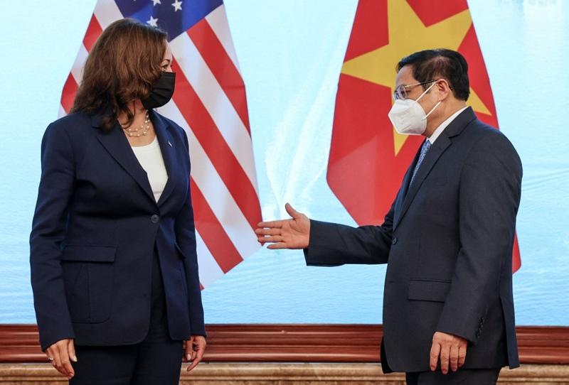 นายกฯเวียดนามพบทูตจีน ย้ำนโยบายไม่เลือกข้าง  ขณะรองปธน.มะกันตาอัด'ปักกิ่ง'ข่มเหงเพื่อนบ้าน