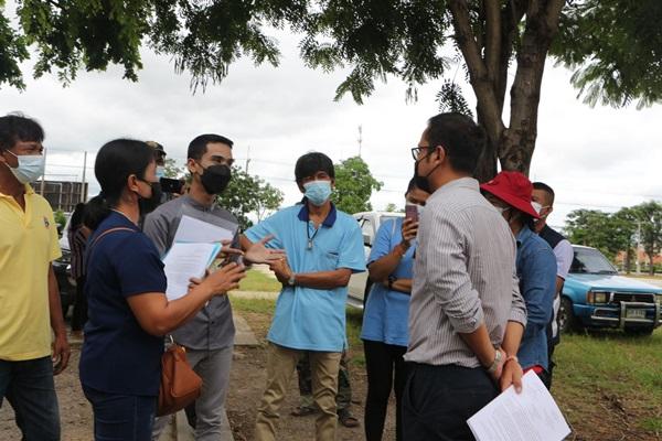 ชาวบ้าน 5 หมู่บ้านสามร้อยยอด ยื่นหนังสือคัดค้านไม่เอาโรงกำจัดขยะไฟฟ้า หวั่นกระทบสิ่งแวดล้อมและชุมชน