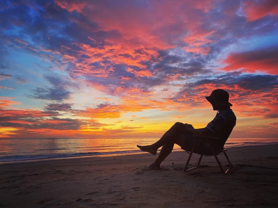 พระอาทิตย์ตกที่เกาะนาคาน้อย