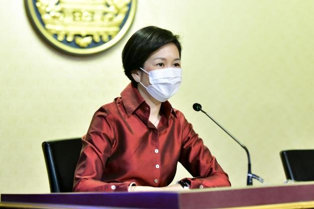 นางสาวรัชดา ธนาดิเรก รองโฆษกประจำสำนักนายกรัฐมนตรี