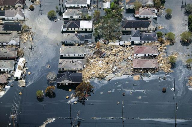 พายุเฮอริเคน ชื่อว่าแคทรีนา ในสหรัฐ เมื่อปี 2005