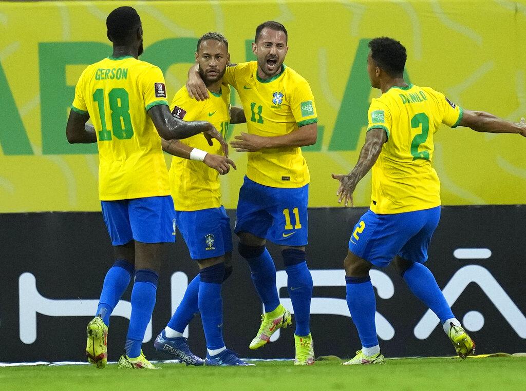"""""""เนย์มาร์"""" ซัดปิดกล่องท้ายครึ่งแรก """"บราซิล"""" อัด """"เปรู"""" 2-0 นำโด่งจ่าฝูงคัดบอลโลก"""