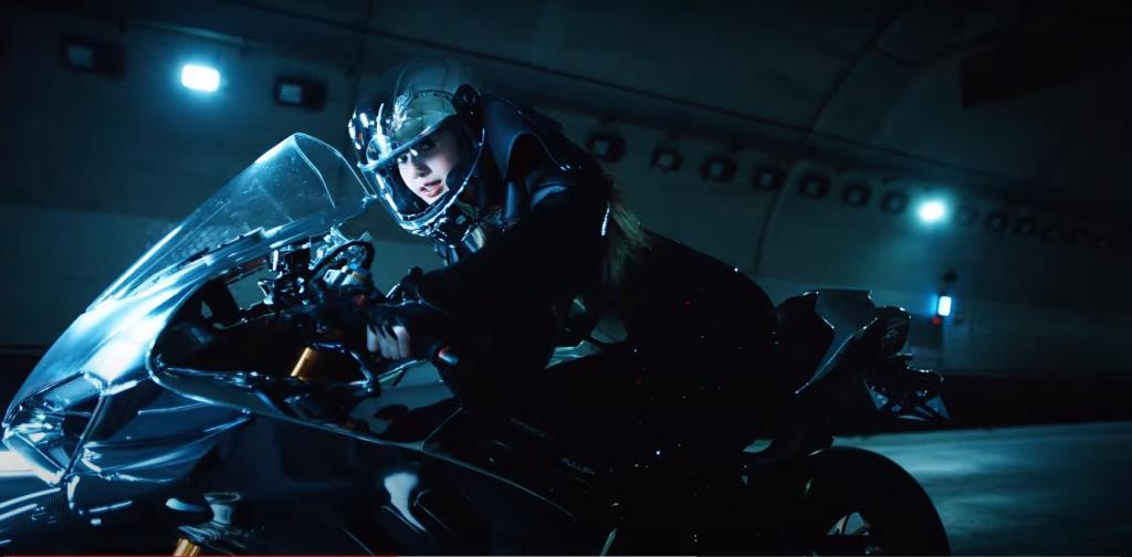 ส่อง Lalisa ขี่รถอะไรในมิวสิควีดีโอตัวแรก