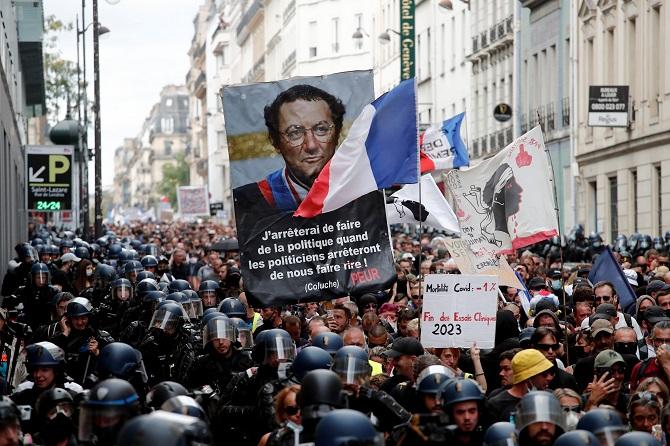 ไม่กลัวโควิด!ประชาชน1.2แสนชุมนุมทั่วฝรั่งเศส ค้าน'บัตรสุขภาพ'เลือกปฏิบัติคนไม่ฉีดวัคซีน(ชมคลิป)
