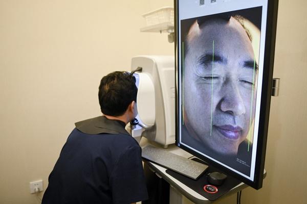 ศัลยกรรมความงามกลายเป็นความหวังของหนุ่มจีนจำนวนมากที่ต้องการอนาคตที่ดีขึ้น