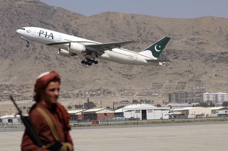 จีน-ปากีฯส่งอาหารกับยาให้อัฟกานิสถานแล้ว  ขณะตะวันตกยังเงื้อง่าหารือแนวทางช่วยเหลือ