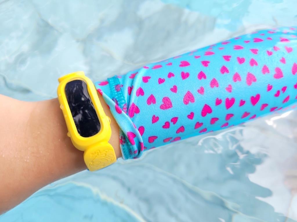 Fitbit Ace 3 Special Edition: Minions ฟิตเนสแทรคเกอร์เพื่อเด็ก 6-12 ปี