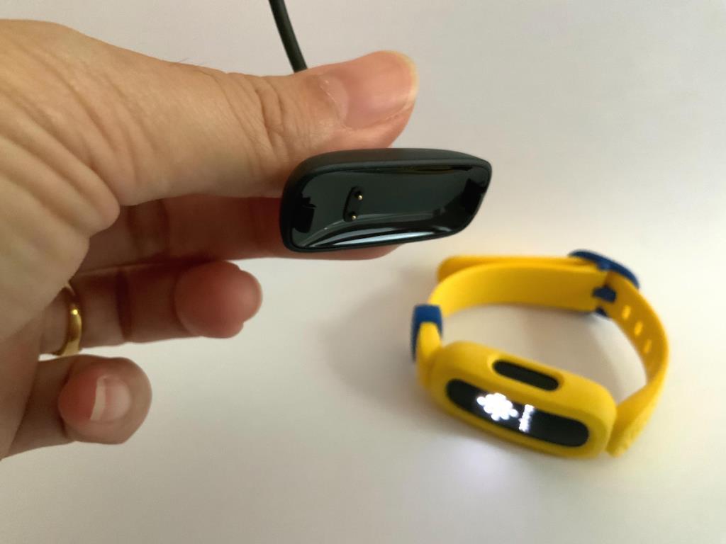 ลักษณะสายชาร์จ USB ขนาดสั้น