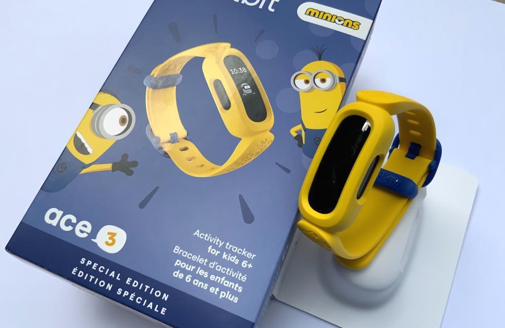 แกะกล่องฟิตเนสแทรคเกอร์สำหรับเด็กรุ่นลิมิเต็ดอิดิชั่นล่าสุด Fitbit Ace 3 Special Edition: Minions