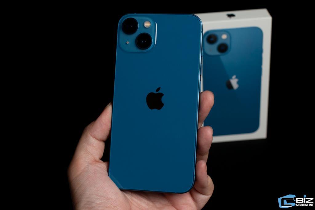 iPhone 13 สีน้ำเงิน