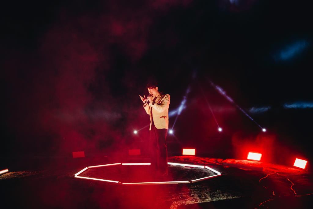 """""""มิว ศุภศิษฏ์"""" ทุ่มสุดตัวจัดเต็ม กับโชว์แรกของเพลง SPACEMAN ในงาน '2021 Asia Song Festival' ให้สมศักดิ์ศรีตัวแทนศิลปินไทย ติดเทรนด์ทวิตเตอร์อันดับ1 ในอเมริกา"""