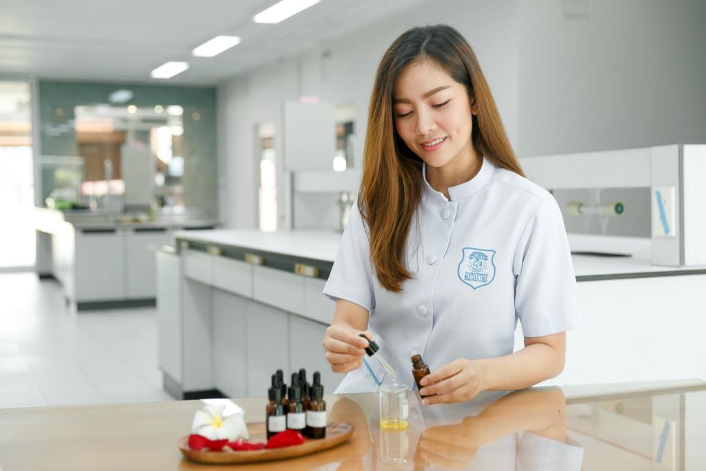 CIM DPU ชี้ตลาดสมุนไพรทั่วโลกโตรับอานิสงส์โควิด ดันมูลค่ารวมทะลุหมื่นล้านดอลล่าร์ ขณะที่บุคลากรแพทย์แผนไทยมีความต้องการสูง
