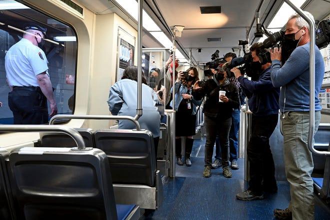 ตร.สหรัฐฯแพร่ข้อมูลหดหู่คดีหญิงถูกข่มขืนบนรถไฟ ผู้โดยสารคนอื่นนอกจากไม่ช่วยยังอาจถ่ายคลิปหน้าตาเฉย
