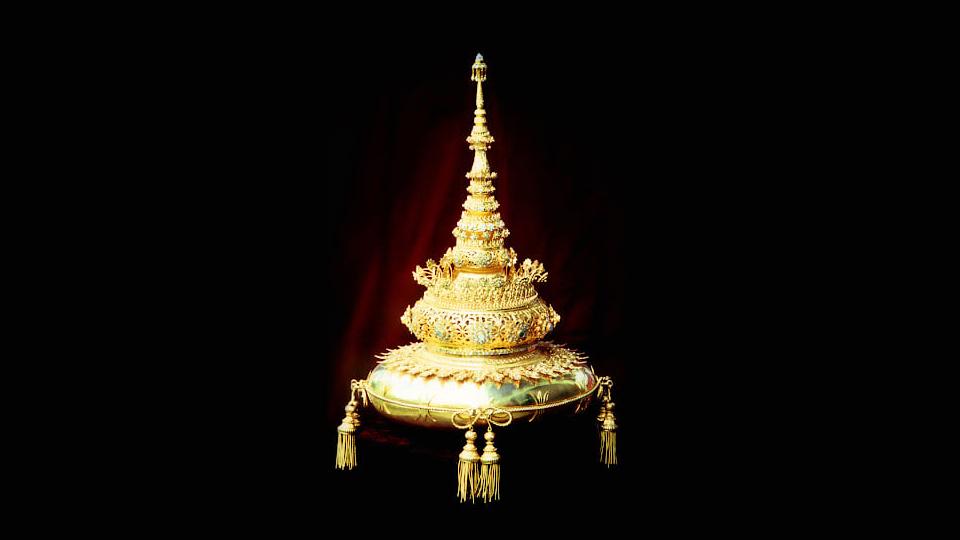 """ราชบัณฑิตลั่น """"พระเกี้ยว"""" เป็นสัญลักษณ์ของความเสมอภาคและเสรีภาพของคนไทย"""