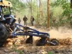 นอภ.โนนสะอาด นำทีมทำลายเส้นทางขนไม้เถื่อนในป่าสงวน เผยมอดไม้ไม่เว้นแม้แต่ประดู่ป่าปลูก