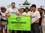 """""""เรือกรีนพีซ"""" เทียบท่าสงขลา จี้รัฐปรับกฎหมาย-ฟื้นทะเลไทยให้สมบูรณ์ภายใน 5 ปี"""