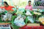 """ชม-ชิม-ชอป สบายอุรา อิ่มพุงกาง ที่ """"ตลาดน้ำบางน้ำผึ้ง"""